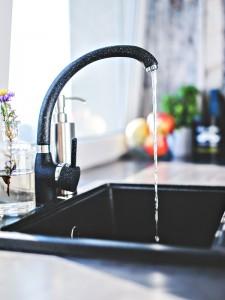 kitchen-modern-tap